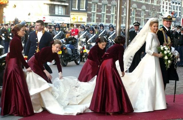 Foto Máxima de Holanda se casó con el príncipe Guillermo de Holanda vestida con un diseño de Valentino
