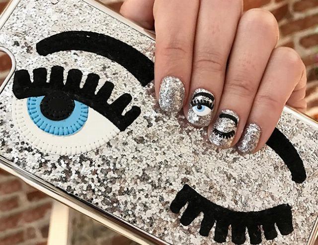 Foto Las uñas con glitter, entre las tendencias del nail art para la primaveraverano