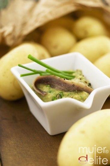 Foto Tapa veraniega: patatas rellenas de anchoa