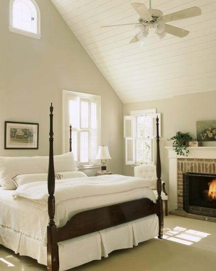 Foto Ventilador de techo en dormitorio de estilo clásico