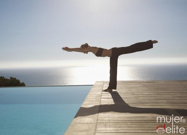 Foto Consigue un cuerpo diez practicando ejercicio en el agua