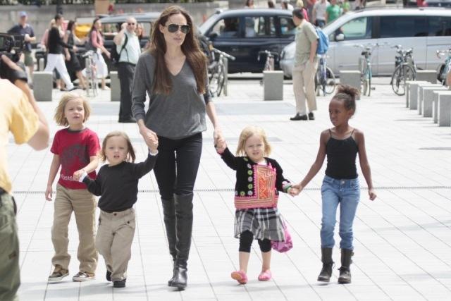 Foto Angelina Jolie y la sencillez de sus looks en el día a día
