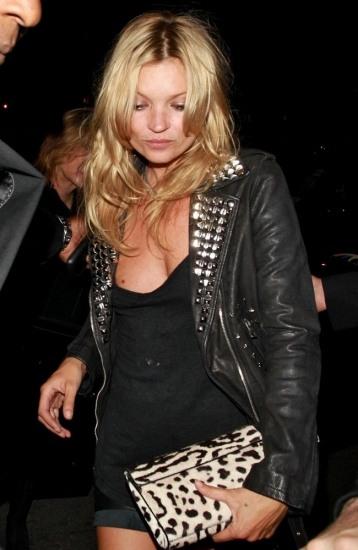 Foto Kate Moss apuesta por las tachuelas