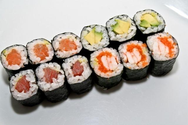 Foto Sushi maki, plato estrella de tu brunch japonés