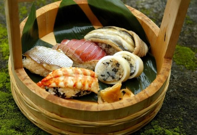 Foto Sushi, makis y niguiris, imprescindibles en un brunch japonés