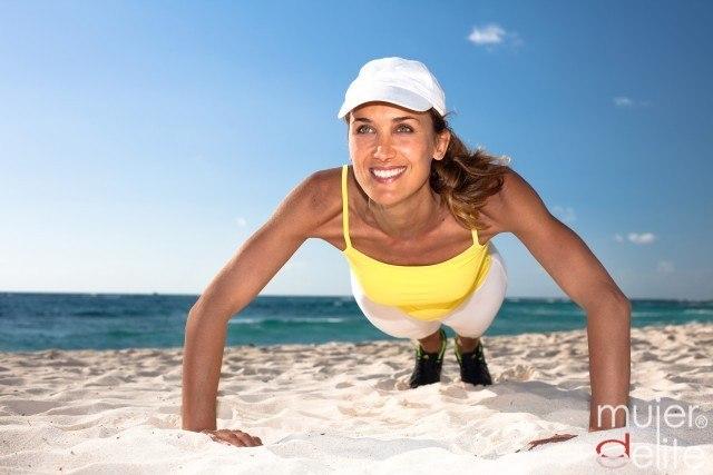 Foto Flexiones, la mejor manera de tonificar tus brazos en la playa