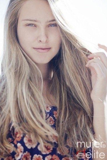 Foto Trucos para conseguir aclarar y conseguir reflejos naturales en el cabello rubio