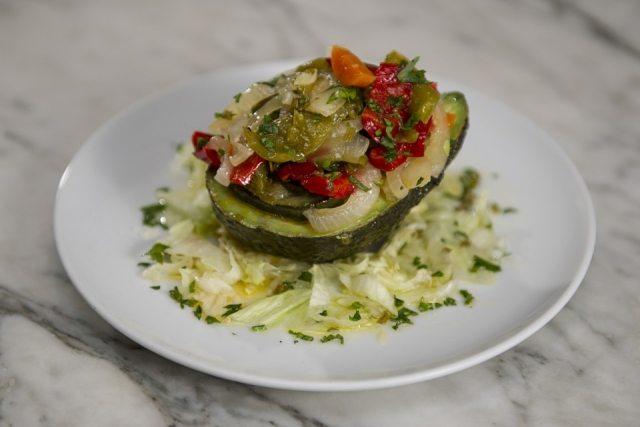 Foto Aguacate relleno de verduras