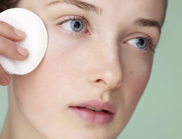 Foto La higiene facial es imprescindible para mantener el acné bajo control