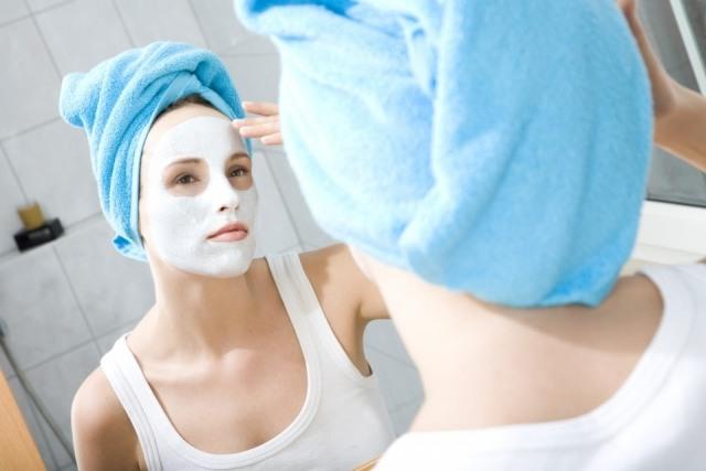 Foto Una mascarilla astringente cada quince días para mantener el acné bajo control