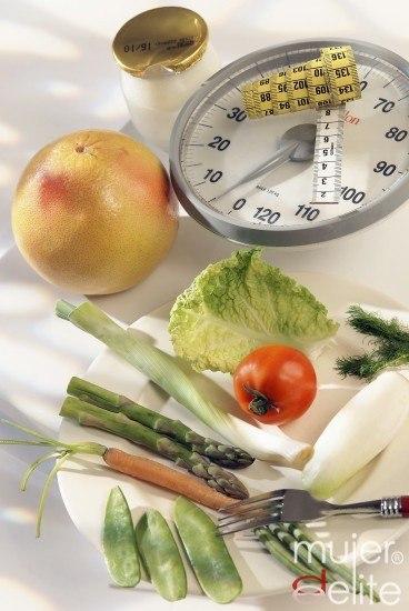 Foto Alimentos básicos en una dieta sana para adelgazar