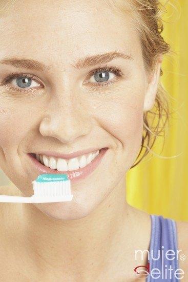 Foto La demencia o los problemas cardíacos pueden estar producidos por una mala higiene bucal