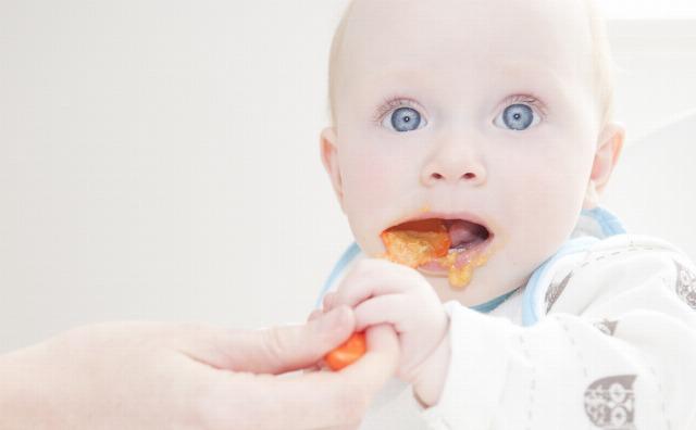 Foto Cómo cuidar la salud bucodental del bebé