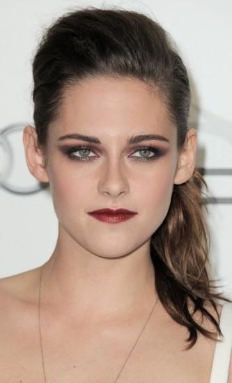 Foto Kristen Stewart, maquillaje con glamour para Hallowen