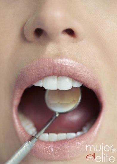 Foto Visita a tu odontólogo para prevenir posibles enfermedades dentales derivadas de la diabetes