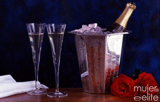Foto Si sabes cómo servir adecuadamente champagne triunfarás estas Navidades