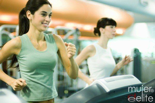 Foto Caminar y hacer deporte es fundamental para controlar la presión arterial