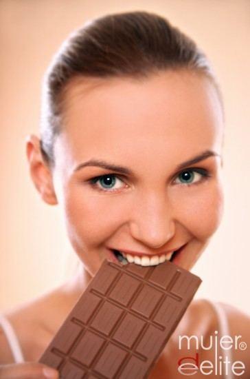 Foto Comer una onza de chocolate negro al día es beneficioso para la salud arterial