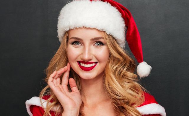 Foto Luce una sonrisa perfecta en Navidad