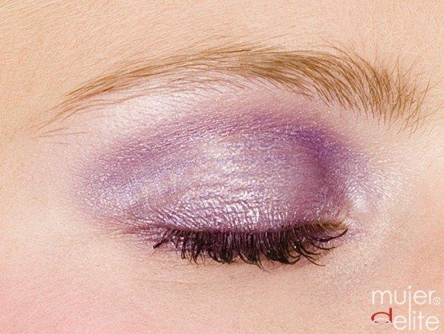 Foto Maquillaje de ojos en orquídea radiante, el color del año 2014