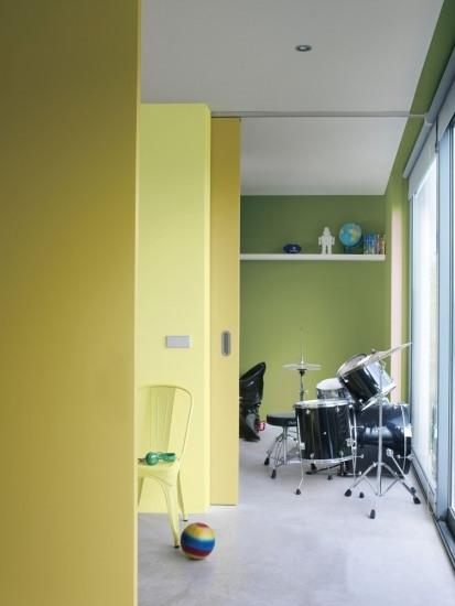 Foto Colores más intensos se imponen como tendencia para pintar y decorar habitaciones de adolescentes