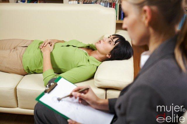 Foto Las sesiones de hipnosis son uno de los métodos más efectivos para dejar de fumar