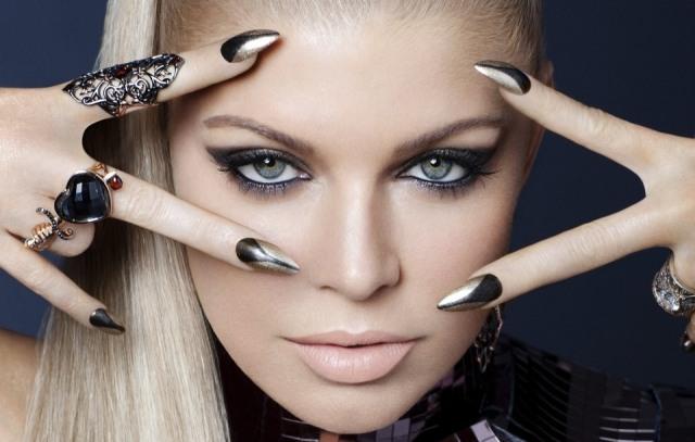Foto Fergie, embajadora del maquillaje futurista
