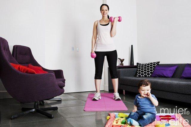 Foto Adelgaza y ponte en forma tras el parto con tu bebé y en casa