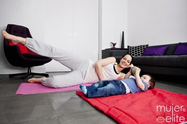 Foto Tabla de ejercicios para adelgazar y ponerte en forma en casa tras el parto