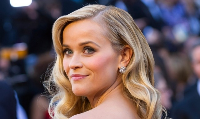 Foto Los trucos de maquillaje de Reese Witherspoon, ejemplo de rostro cuadrado