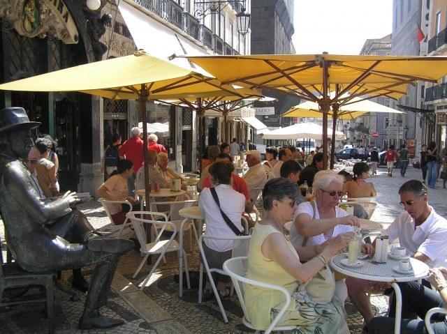 Foto A Brasileira, uno de los cafés más famosos del barrio de Chiado y de toda Lisboa