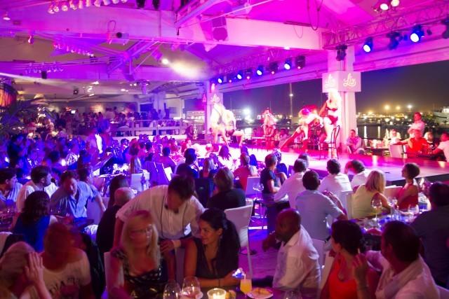 Foto Lío, punto de encuentro en Ibiza de famosos nacionales e internacionales