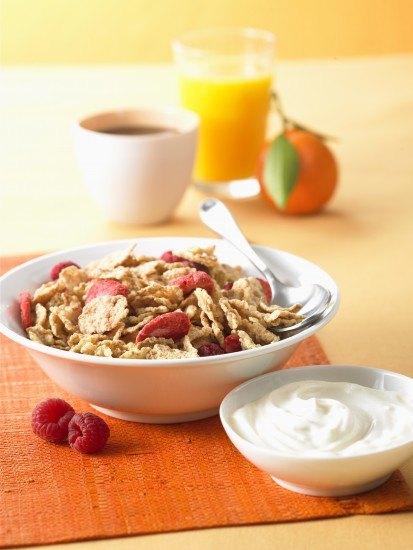 Foto Fruta, cereales y lácteos, claves en el desayuno del deportista