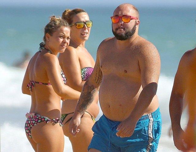 Foto Kiko Rivera causa sensación en la playa entre el género femenino
