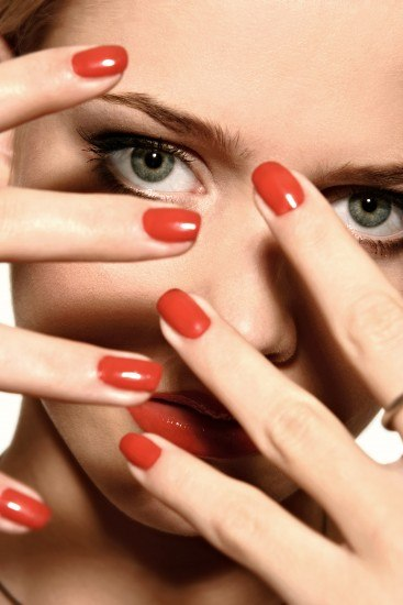 Foto Las uñas ovaladas, no pasan de moda e ideales si tienes tendencia a que se rompan