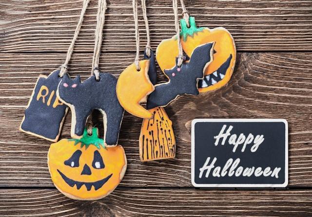 Foto Galletas de cacao y almendras para Halloween