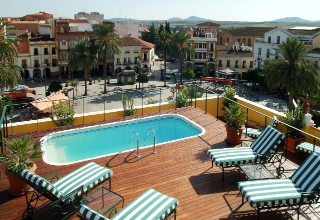 Azotea del hotel bluebay city m rida palace con piscina e for Hoteles en merida con piscina