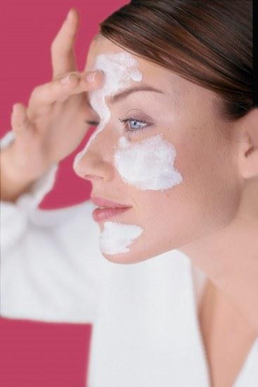 Foto Ceramidas, betaglucanos y ácido hialurónico para las pieles secas