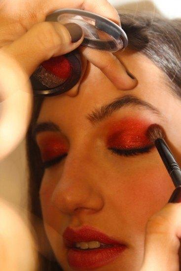Foto Con un solo labial en Marsala puedes lograr un maquillaje vibrante en el color de 2015