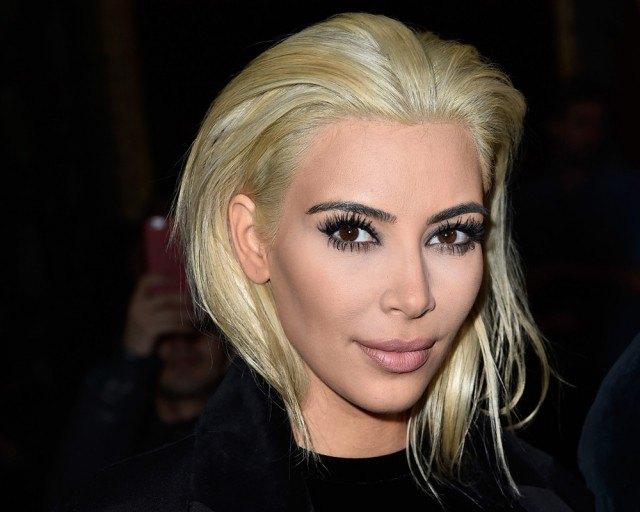 Foto Kim Kardashian se pasa al bando de las rubias