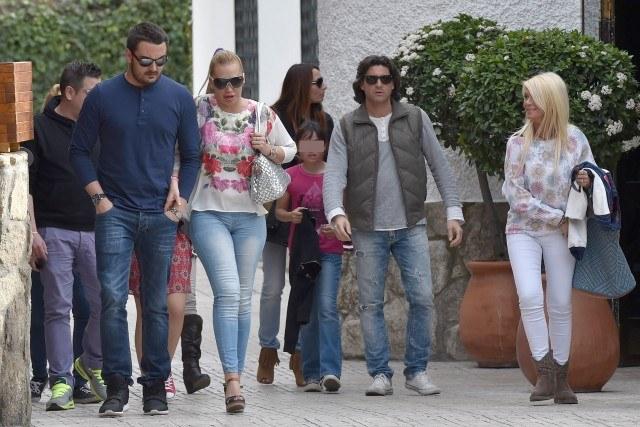 Foto Belén Esteban celebra con su novio Miguel, Toño Sanchís y más amigos, su victoria en GH VIP