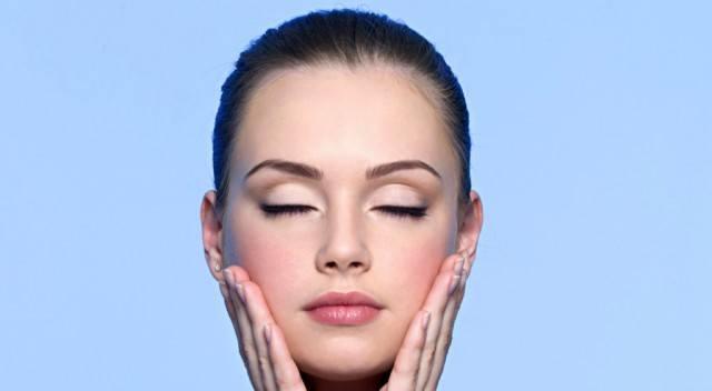 Foto El tónico facial, un básico de belleza para un cutis sano, cuidado y joven