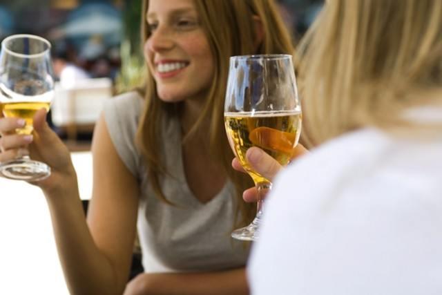 Foto La cerveza sin alcohol, la bebida más aconsejada para disfrutar del aperitivo sin engordar