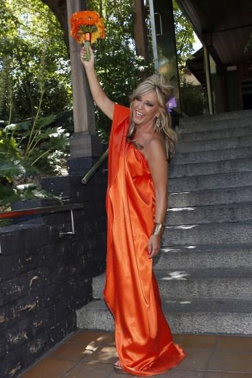 Foto Lydia Lozano, una novia radiante y naranja en su reboda con Charly