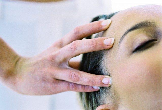 Foto Los masajes capilares son muy beneficiosos para el cabello fino