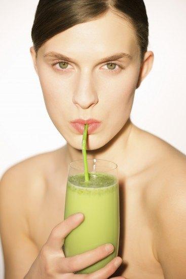 Foto Los batidos o zumos detox, ideales como tentempié para no engordar
