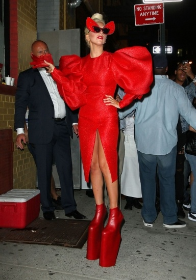 Lady gaga pillada sin ropa interior y con sus partes for Descuidadas sin ropa interior