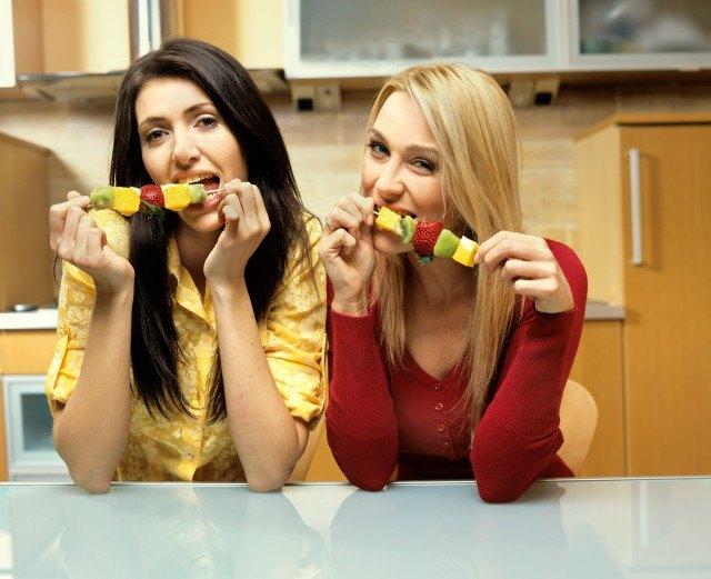 Foto Cenar fruta no ayuda a adelgazar