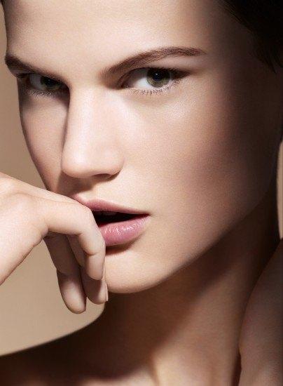 Foto Descubre qué zonas del rostro debes iluminar para lucir una piel joven y fresca