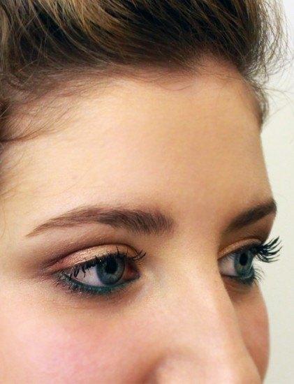Foto Maquillaje de ojos en dorado para novias